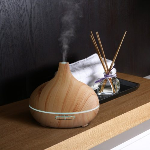 Aroma Diffuser in Holzoptik